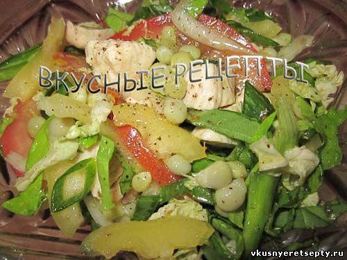 Салат с курицей и горошком